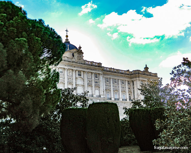 Palácio Real de Madri visto dos Jardins de Sabatini