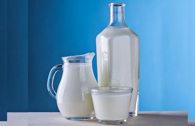 दूध-पीने-के-जबरदस्त-फायदे-और-नुकसान,।  दूध पीने के चमत्कारी फायदे