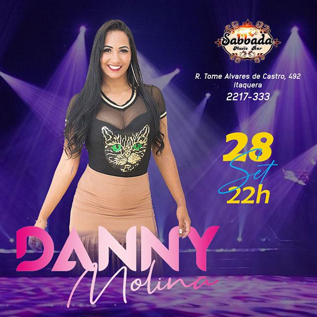 Cantora Danny Molina  no Sabbada Music Bar