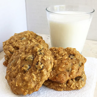 Healthy Oatmeal Breakfast Cookies served with milk by www.smokeandvanilla.com - An easy recipe for soft, chewy, and healthy oatmeal peanut butter chocolate chip breakfast cookies. Gluten free, low carb, and just one simple substitution to make them Paleo too! http://bit.ly/2q1ZZjC