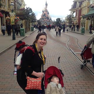 Disneyland Paris castle picture main street