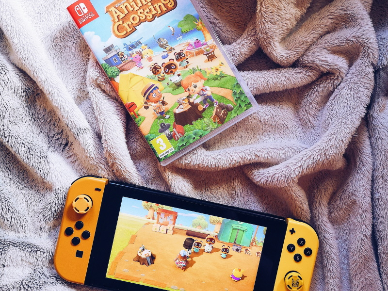 Animal crossing sur Switch avec console Switch pokemon