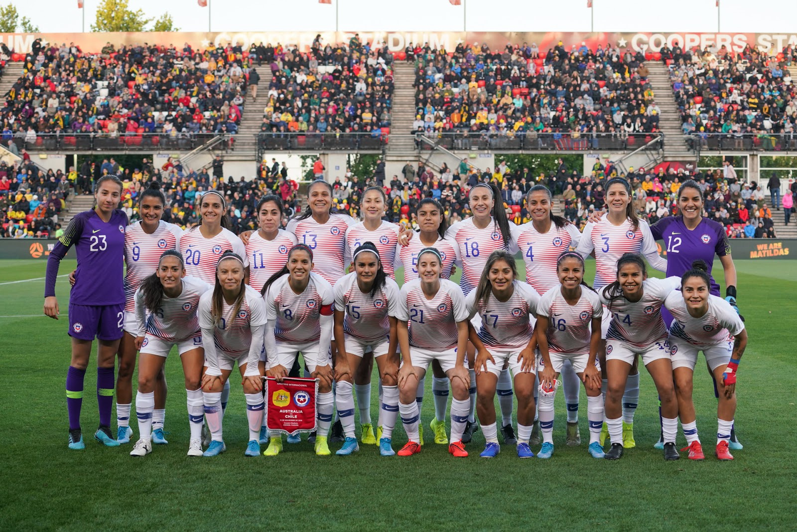 Titulares y suplentes de selección femenina de Chile ante Australia, amistoso disputado el 12 de noviembre de 2019