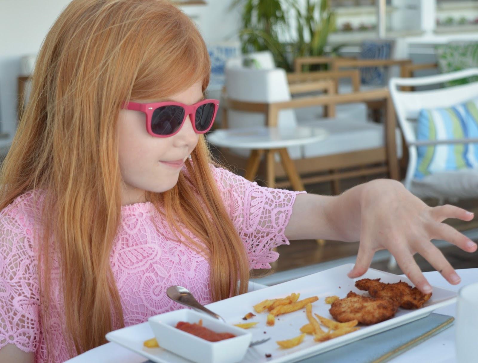 A walk from Calella de Palafrugell to Llafranc - children's menu