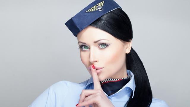أسرار لن يخبرك عنها مضيفو الطيران Secrets flight attendants won't tell you