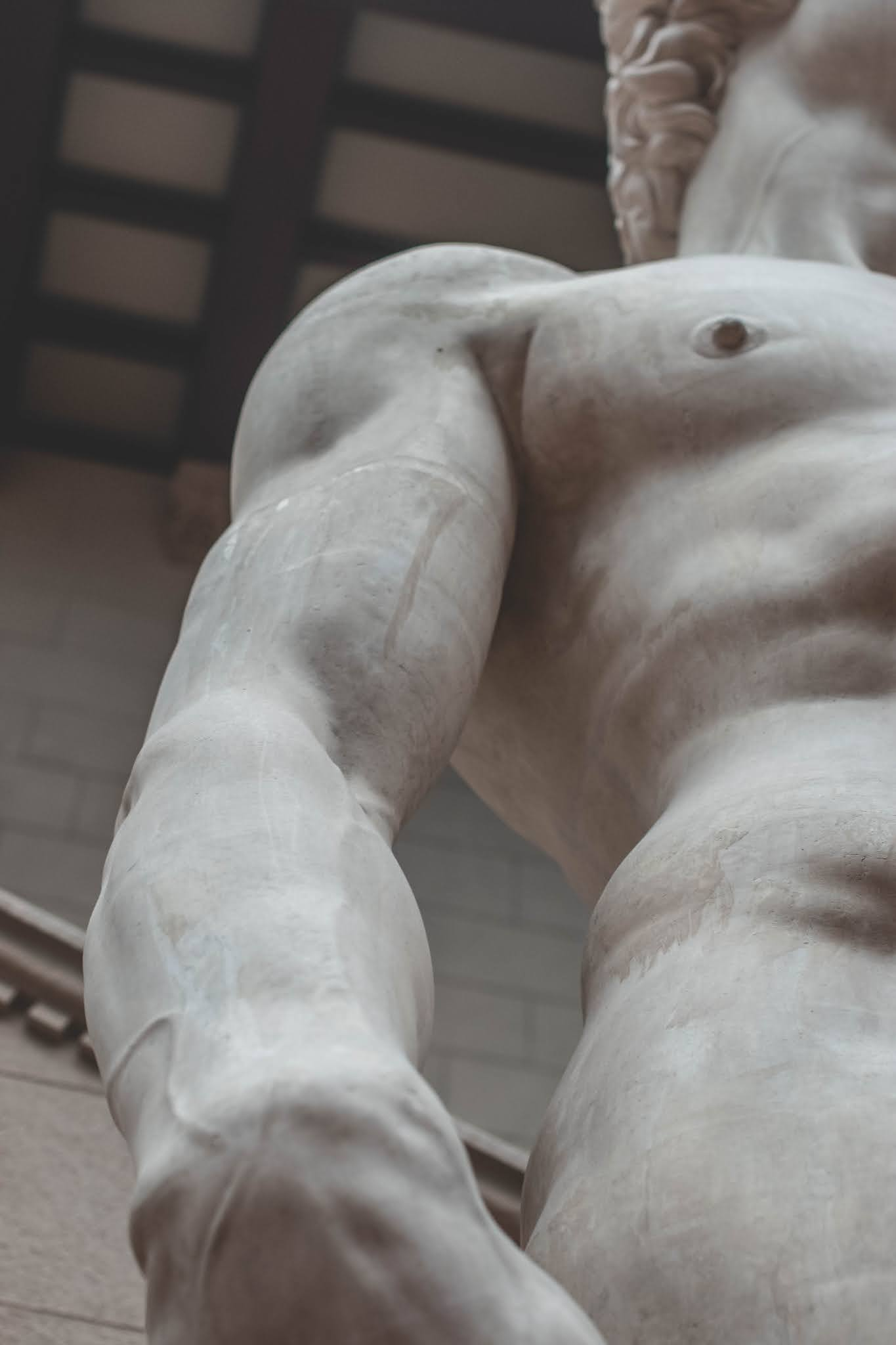 50+ The Most Famous White Statues HD Images You Want to See