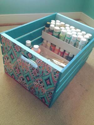 Organizadores com caixas de madeira