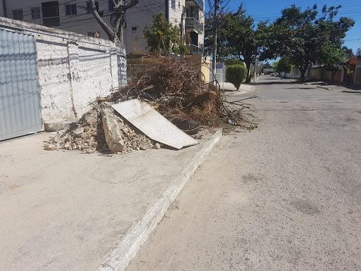 Rua da Luz esquina com Rua José Maria Gil