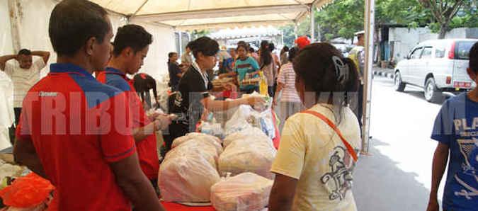 Pemerintah Kota (Pemkot) Ambon akan menggelar pasar murah menjelang hari besar keagamaan Natal dan Tahun Baru 2017 yang difokuskan di dua lokasi.
