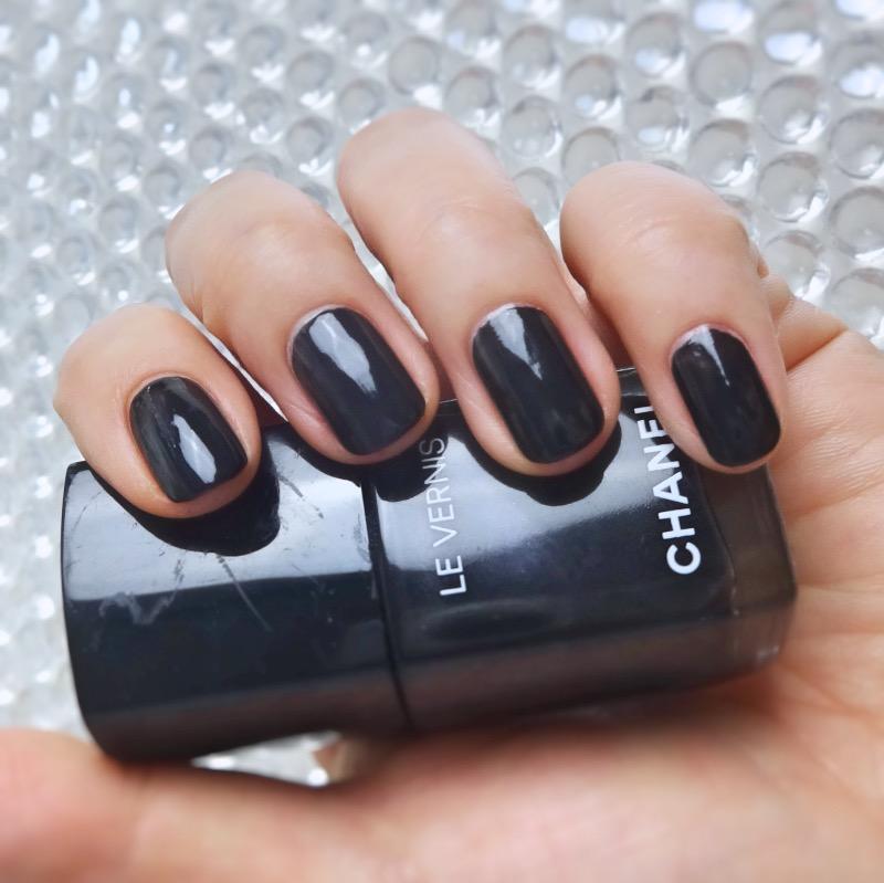 Chanel Le Vernis 538 Gris Obscur swatch