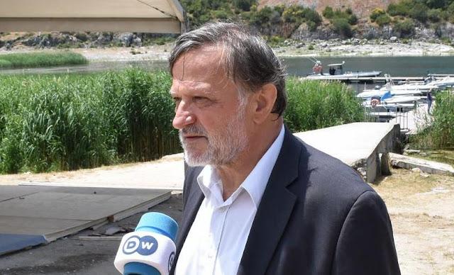 Βουλευτής του ΣΥΡΙΖΑ δηλώνει «εθνικός Μακεδόνας», μιλώντας στα σλάβικα