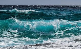 Τρόμος σε παραλία της Κρήτης: Εφιάλτης για δύο γυναίκες