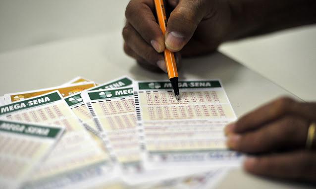 Loterias arrecadam R$2,42 bilhões em um ano
