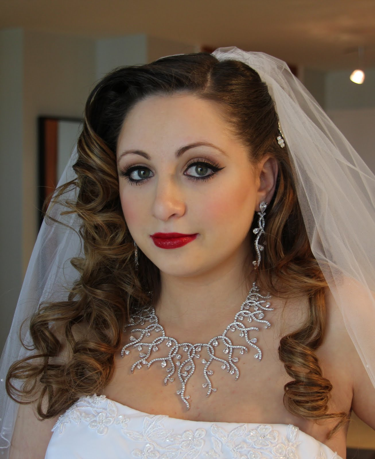 Astounding Glamoureyesme Anna G39S Wedding Short Hairstyles Gunalazisus