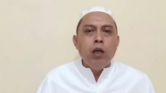Geger Pria Berkopiah Sebut Islam Bukan Agama, Nabi Muhammad Bukan Tokoh Islam