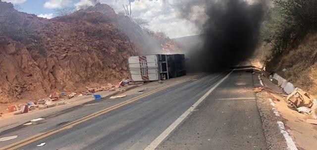 Em Marcolândia - caminhoneiro morre em acidente na ladeira do S