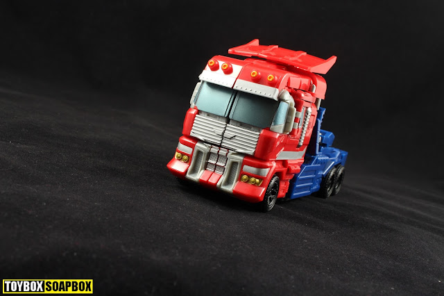 Combiner Wars optimus prime truck mode