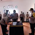 Kapolres Sertijabkan Tiga Pejabat Polres Pinrang Sekaligus Dirangkaikan Upacara Korps Kenaikan Pangkat Pengabdian