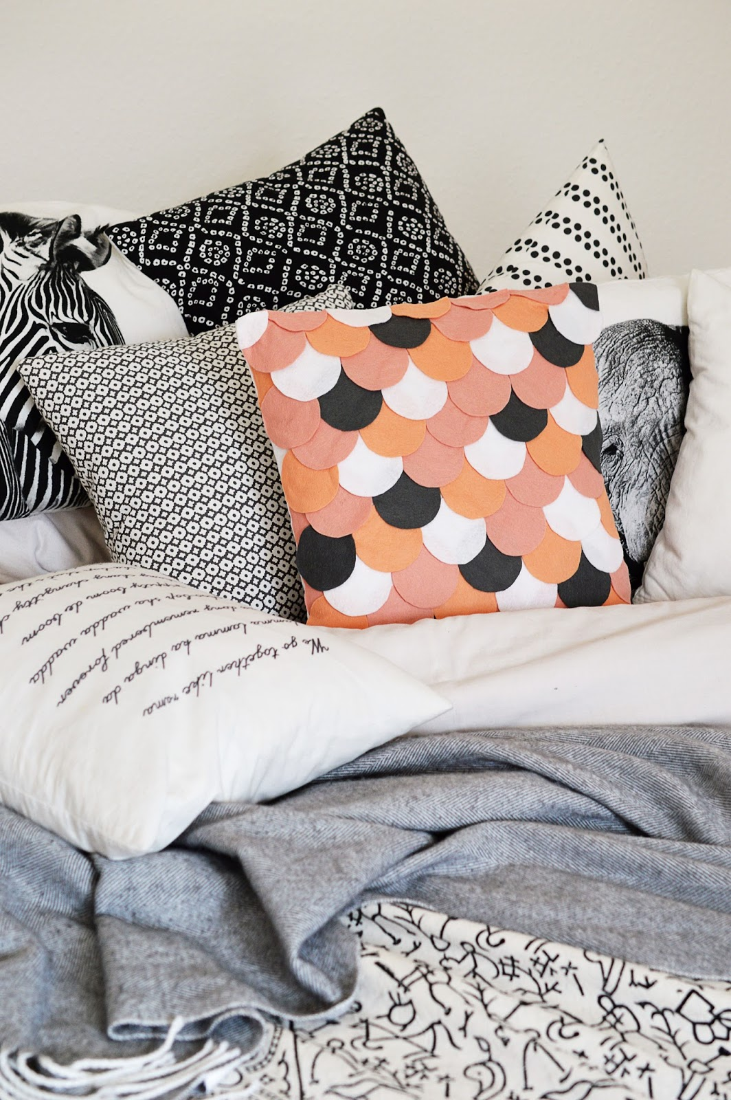 DIY No-Sew Scalloped Pillowcase | Motte's Blog
