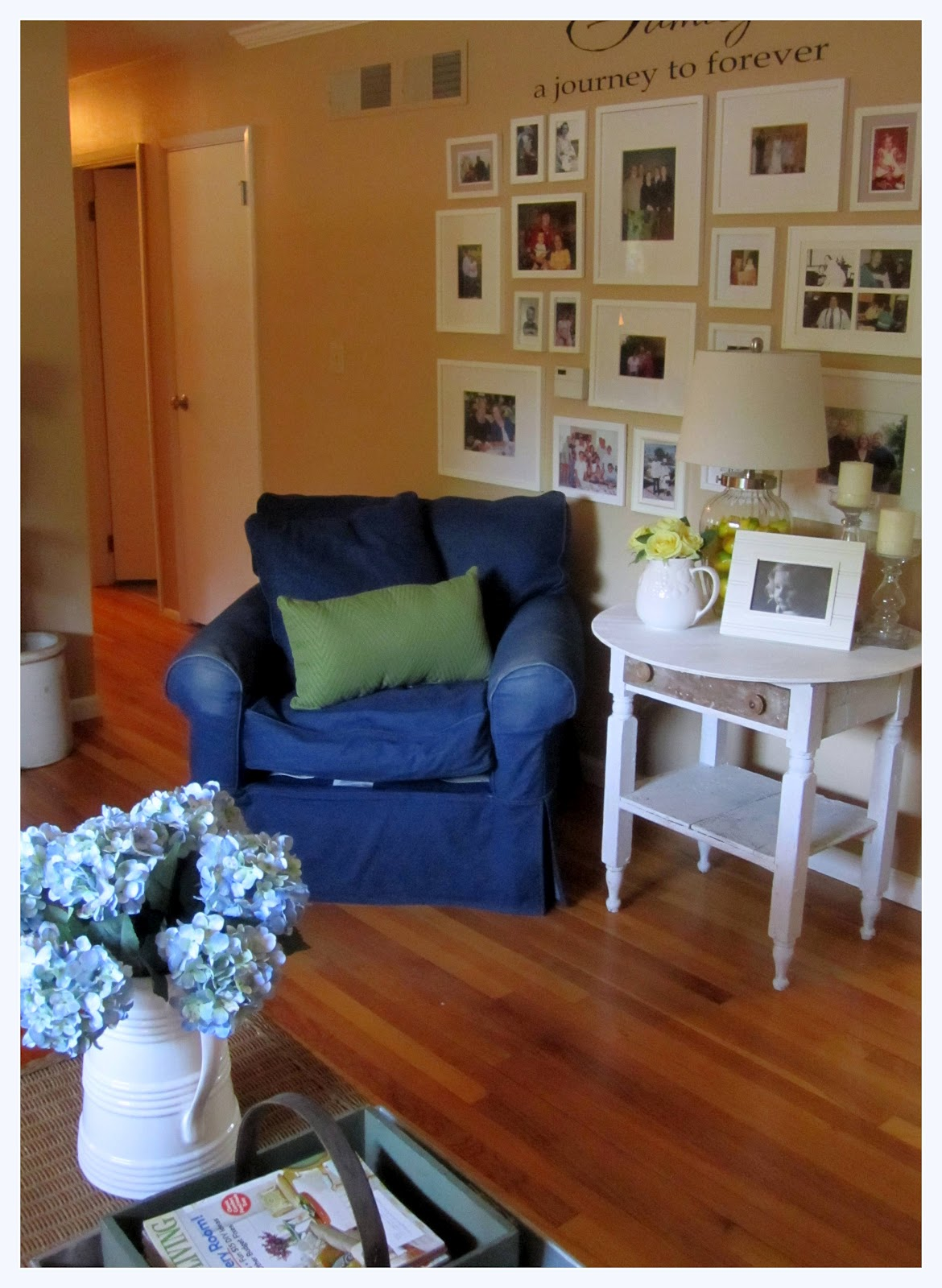 the corson cottage quaint country cottage living room update at my mom 39 s. Black Bedroom Furniture Sets. Home Design Ideas