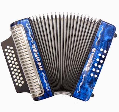 cuanto cuesta una acordeon hohner corona III