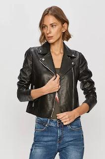 https://answear.ro/p/liu-jo-geaca-ramones-de-piele-379361?channable=00850769640031323930313735ec&ref=Channable