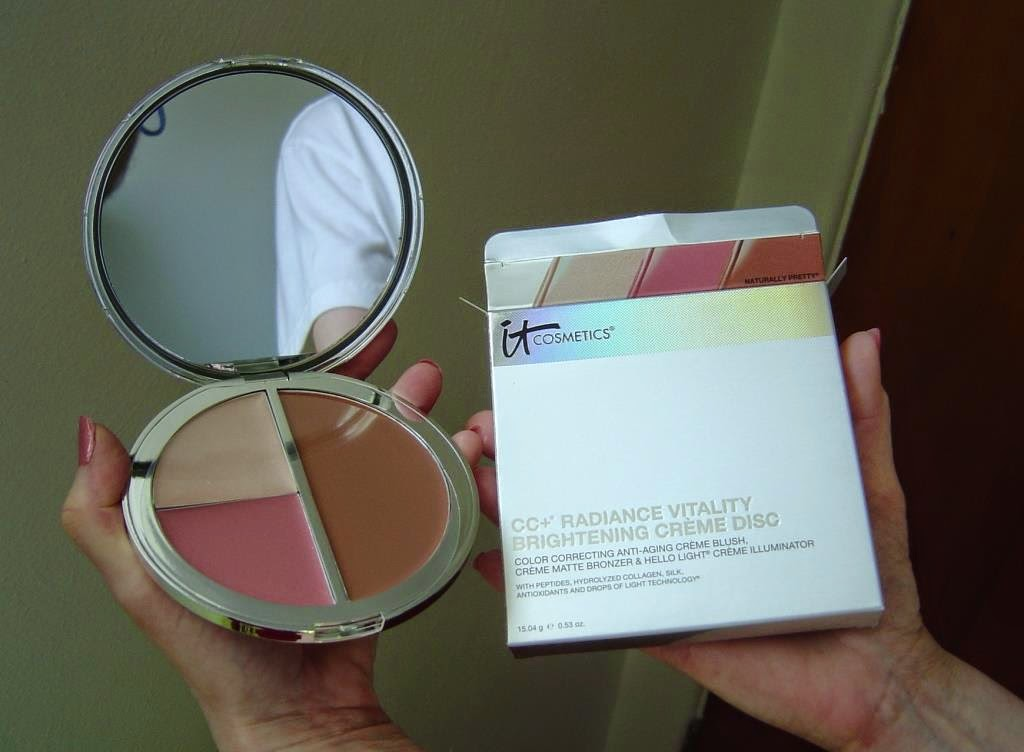 IT Cosmetics CC+ Radiance Vitality Brightening Creme Disc.jpeg