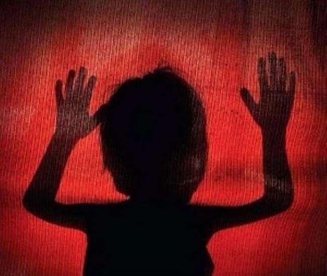 जालौन में 5 वर्षीय नाबालिग बच्ची के साथ दरिंदगी