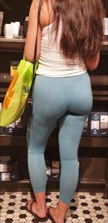Hermosa chava culona calzas entalladas