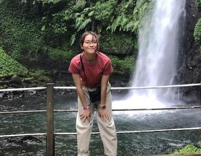 Marsha Risdasari di Air Terjun