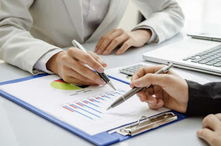 How Can A Financial Advisor Help A Business?
