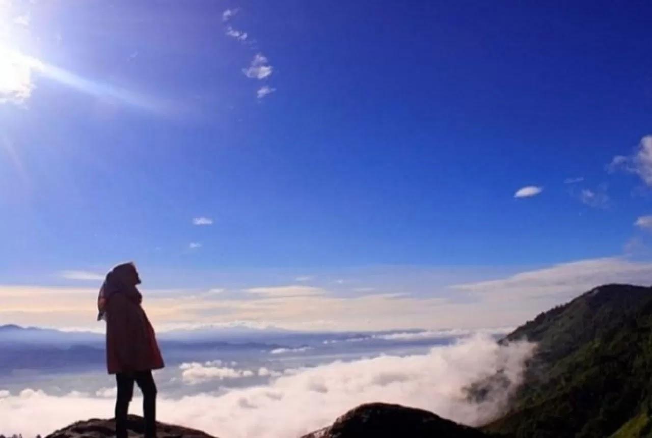 Bukit Khayangan, Memandang Danau Kerinci Dari Ketinggin Awan