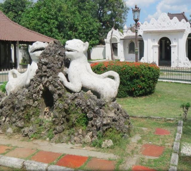 10 Ide Kota Liburan Di Indonesia