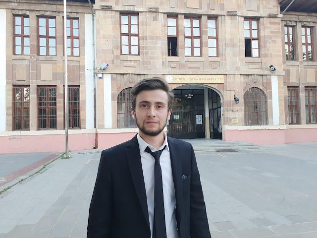 Harun İstenci Kastamonu Mesleki ve Teknik Anadolu Lisesi (Taş Mektep) önünde, Mezuniyet 2019