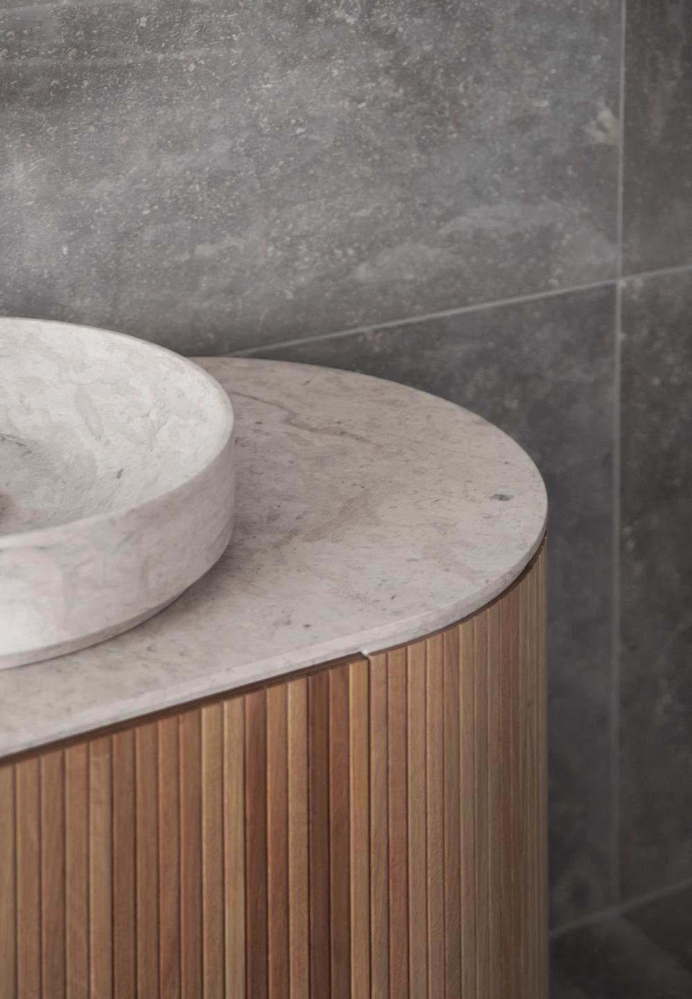 ilaria fatone - minimal esthetics - bathroom