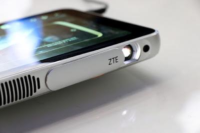 ZTE Rilis Perangkat Kolaboratif Proyektor Sekaligus Tablet