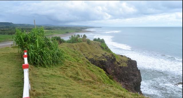 Wisata Pantai Tebing Tinggi Puncak Guha Garut