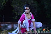 Nayaki Movie Stills-thumbnail-6