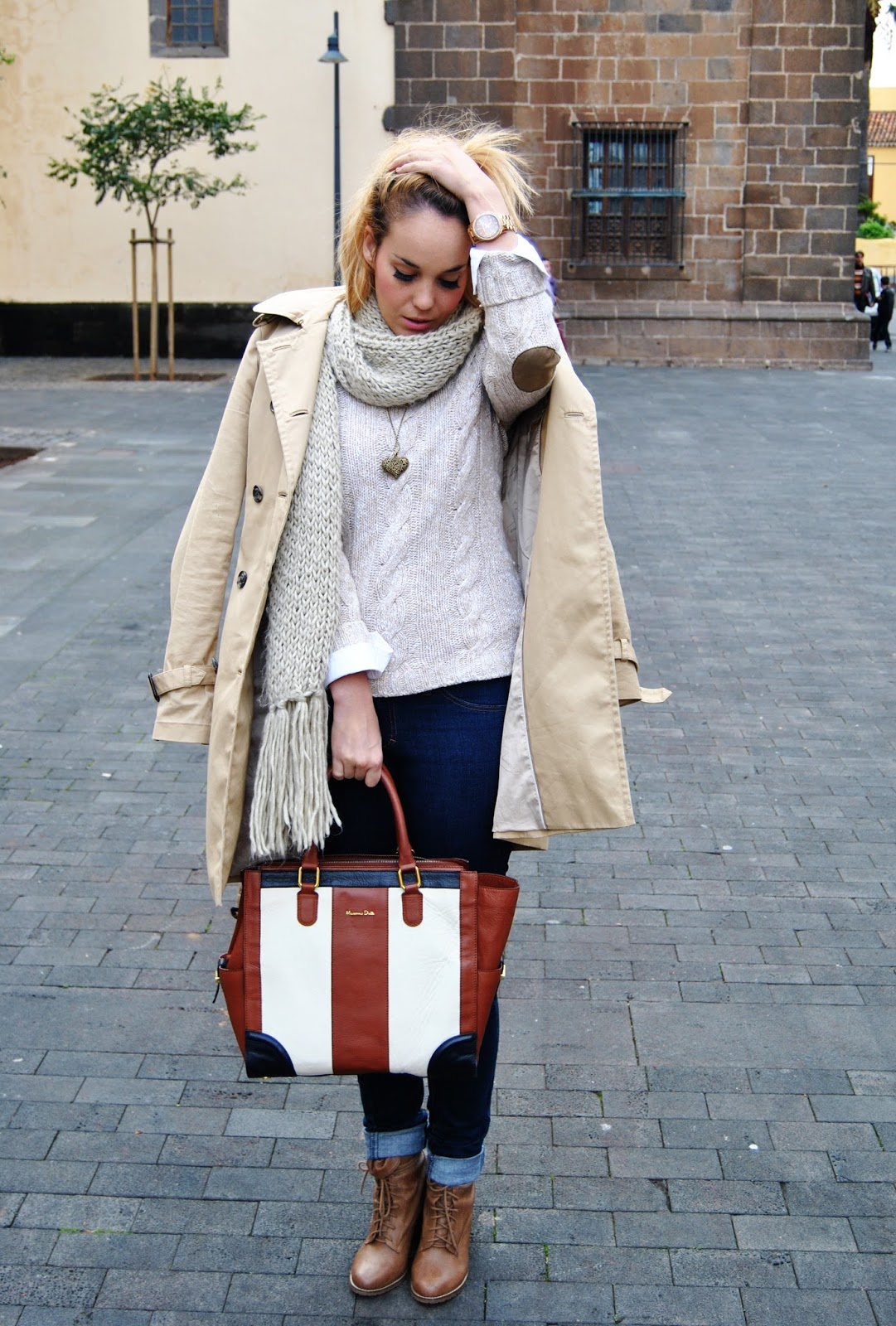 nery hdez, ring and things, massimo duti, maxi bufanda, trench, look para ir a clase