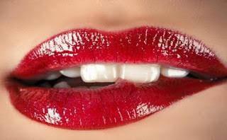 Tips dan Cara Memerahkan Bibir yang Hitam