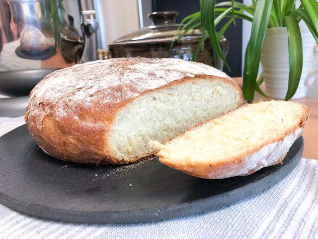 Rustic No Knead White Bread