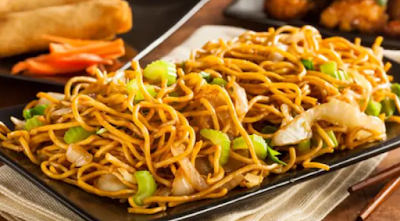 Chinese Recipes: Noodles tossed with veggies, lemon juice, peanuts and seasoned to perfection