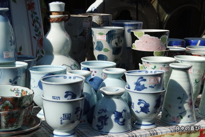 Porcelaine fine sur un stand à Kunenan, Kanzaki, Saga