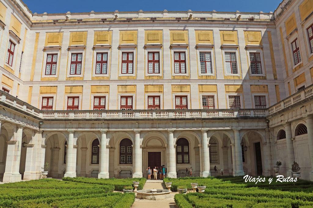 Claustro del Palacio de Mafra, Portugal