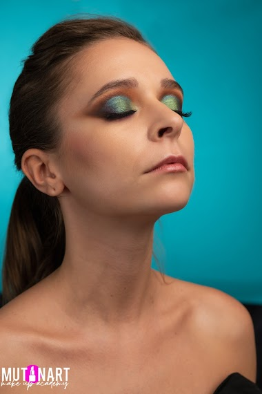 Corso di Make Up fotografico di Tendenza e Tecniche di Saturazione - Master Class Make Up Avanzato su Armocromia e Pencil Technique, Gel Technique e Watercolor Technique con servizio fotografico finale a scopo Portfolio - Ed. 2020