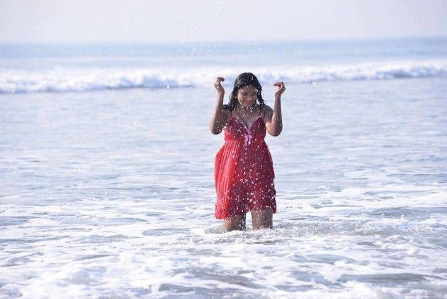 Swathi Naidu Hot Pics,Swathi Naidu images,Swathi Naidu pics,Swathi Naidu gallery,Swathi Naidu latest hot,Swathi Naidu hot photos,Swathi Naidu bikini,Swathi Naidu red dress