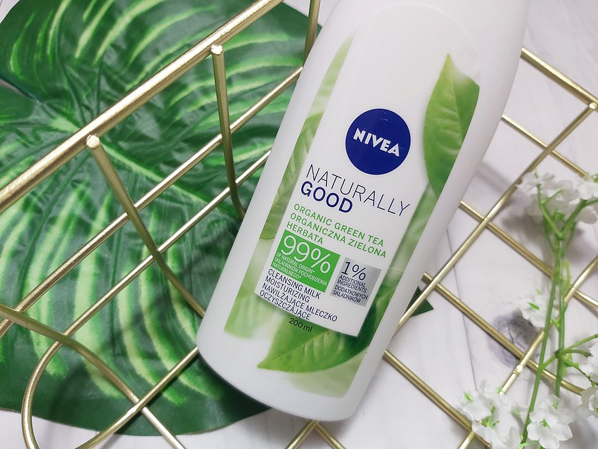 nivea naturally good cleansing milk moisturizing