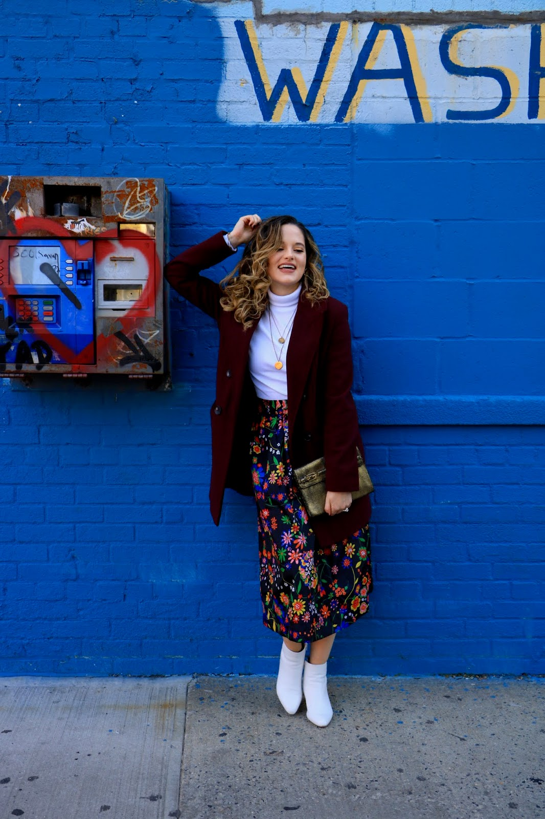 Nyc fashion blogger Kathleen Harper's midi skirt fall outfit idea.