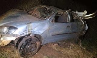 Três pessoas ficam feridas após carro capotar entre Brumado e Livramento de Nossa Senhora