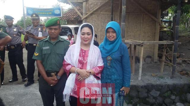 Titiek Soeharto bersama Suhadi dan istri.